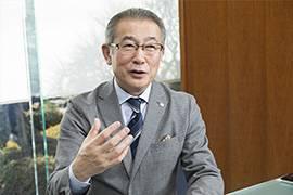 取締役・情報マネジメント事業部長の岩本聡さん