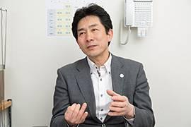 取締役の江守哲也さん。「ホスピタリティのお手本はディズニーランド」と話す。